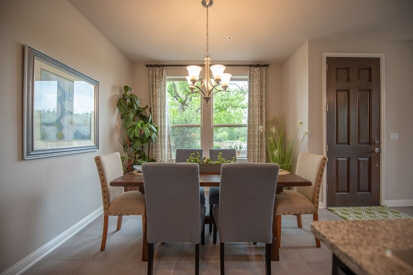 Great Dining area seats 6.
