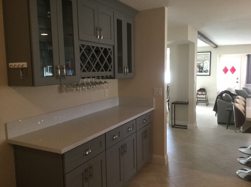 Butler's pantry area / wine bar off the kitchen