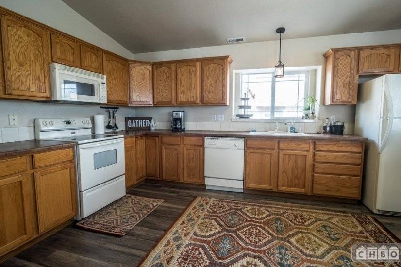 image 6 furnished 2 bedroom Townhouse for rent in Divine Redeemer, Colorado Springs