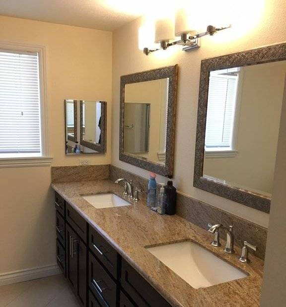 Shared bathroom with 2 vanities for Bedroom #2 and #3