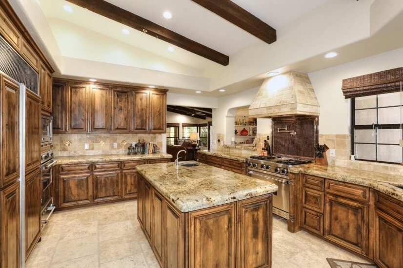 Gourmet kitchen with top of the line Viking a