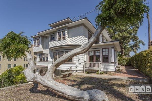 image 2 furnished 5 bedroom House for rent in Park West, Central San Diego