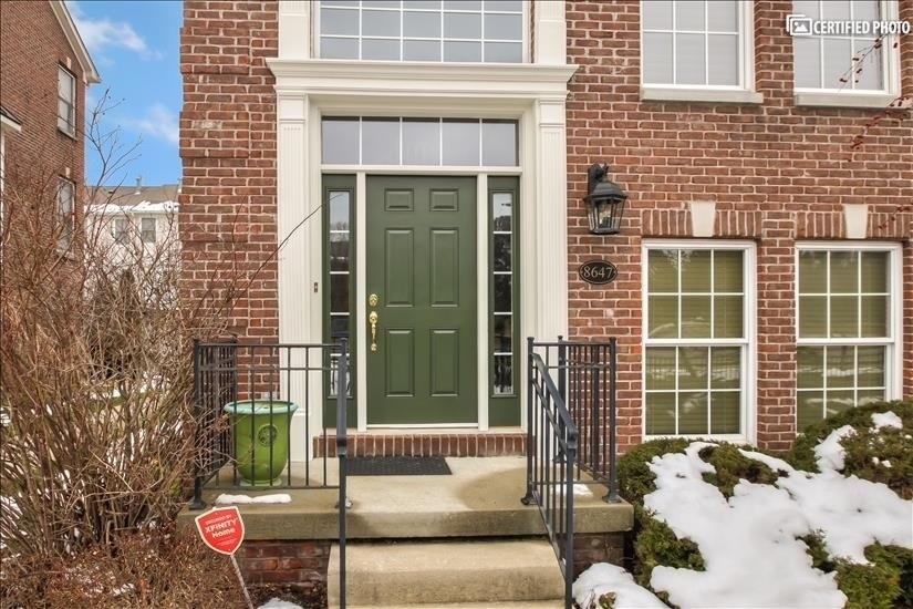 image 2 furnished 2 bedroom Townhouse for rent in Northwest Indianapolis, Indianapolis Area