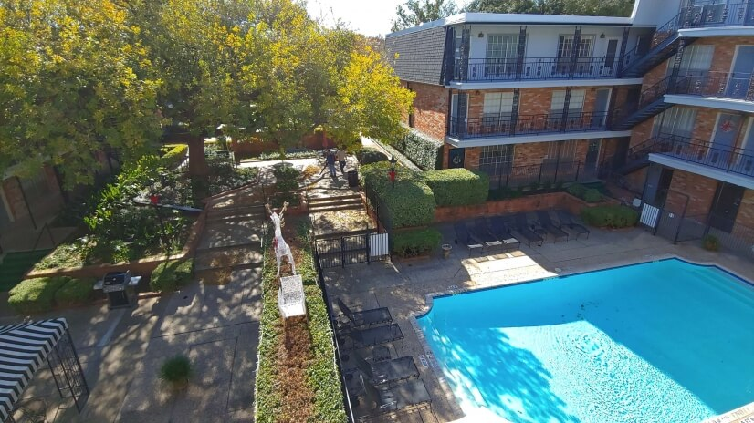 Overlooks Pool