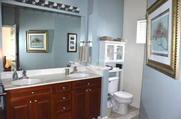 Master bathroom with shower+tub