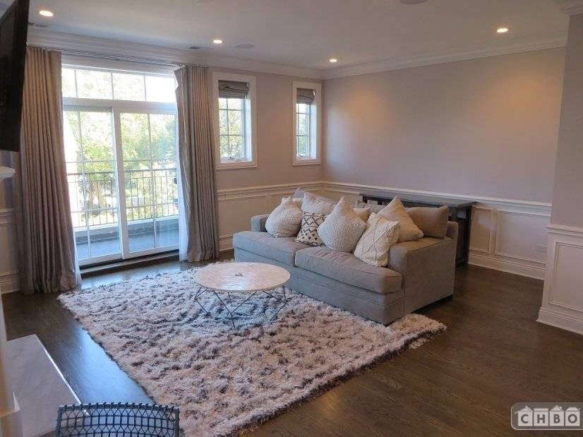 image 4 furnished 2 bedroom Townhouse for rent in Lincoln Park, North Side
