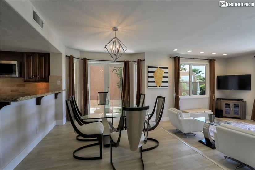 Enjoy Casual dining in your kitchen nook ( Seats 6 guests)