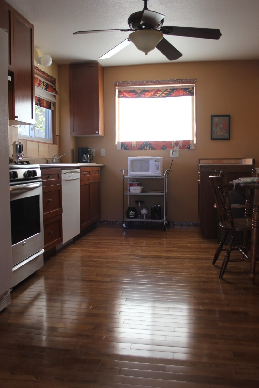 image 4 furnished 1 bedroom Apartment for rent in Holland Park, Colorado Springs