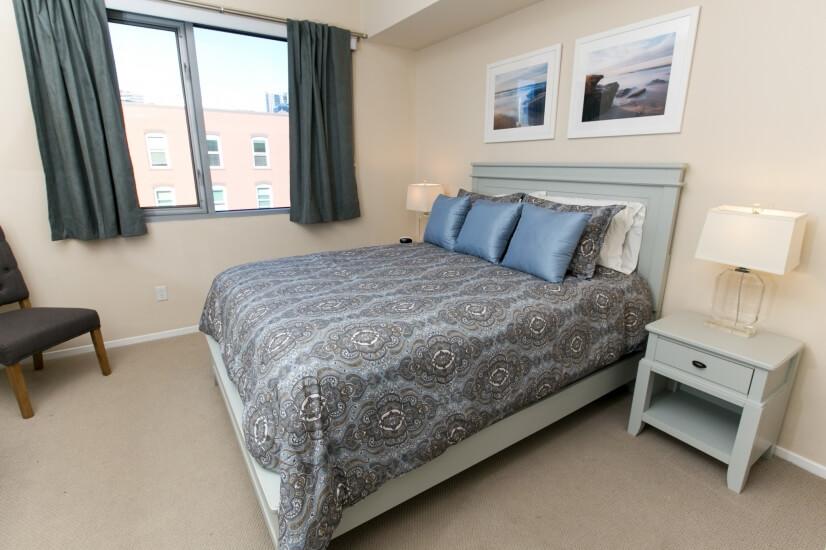 Bedroom has queen size bed