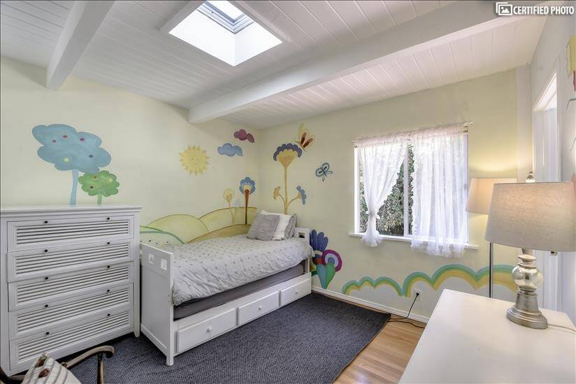 4th bedroom with Yellow Submarine hand painte