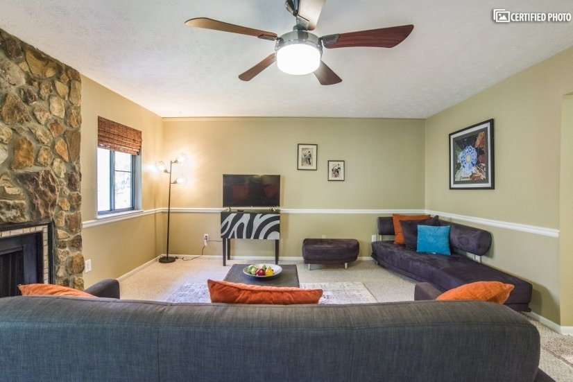 image 2 furnished 2 bedroom Townhouse for rent in Marietta, Cobb County