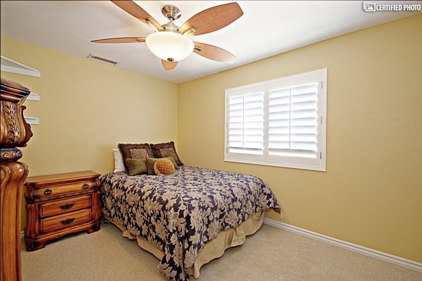Third Bedroom - Full Bed