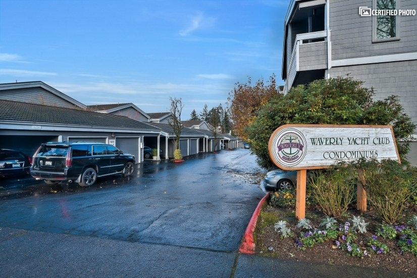 image 2 furnished 2 bedroom Townhouse for rent in Portland Southeast, Portland Area