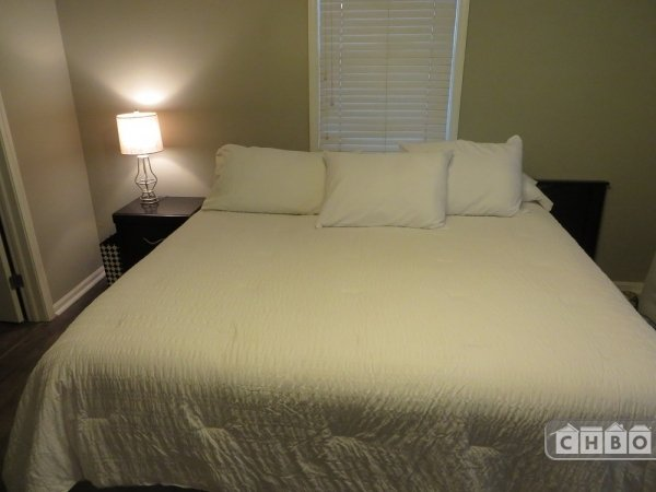 image 6 furnished 1 bedroom Townhouse for rent in Lincoln Park, North Side