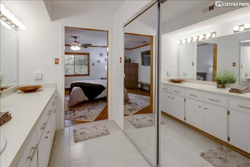 MB 2 (sliding glass doors to cedar closet)