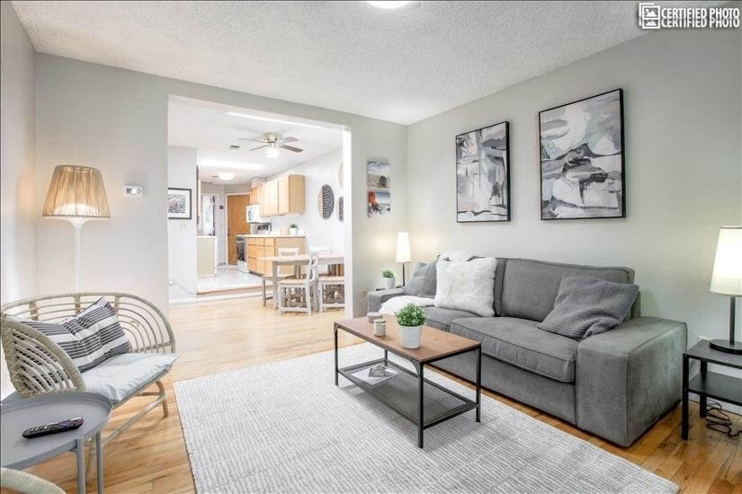 Cherry Creek One Bedroom Home in Ideal Location