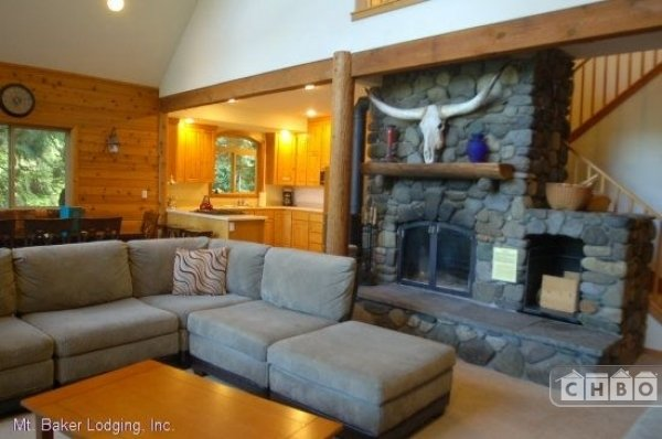 image 2 furnished 3 bedroom House for rent in Mt. Baker, Cascade Mountains