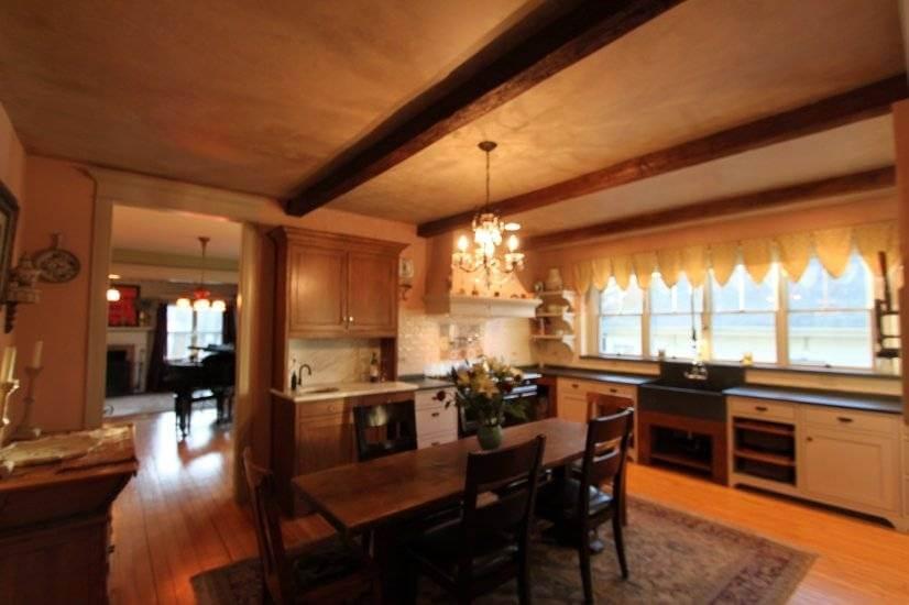 image 2 furnished 3 bedroom House for rent in Glen Ellyn, West Suburbs