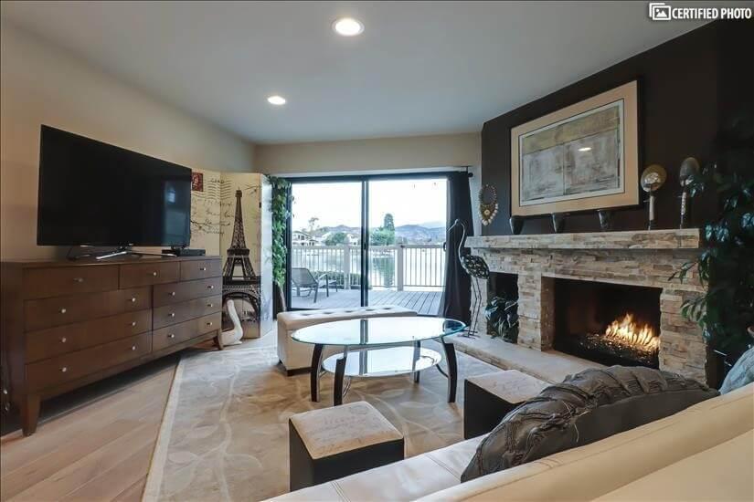 Cozy Fireplace and TV plus lake views