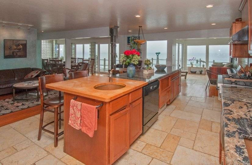 image 2 furnished 3 bedroom Apartment for rent in Montara, San Mateo (Peninsula)