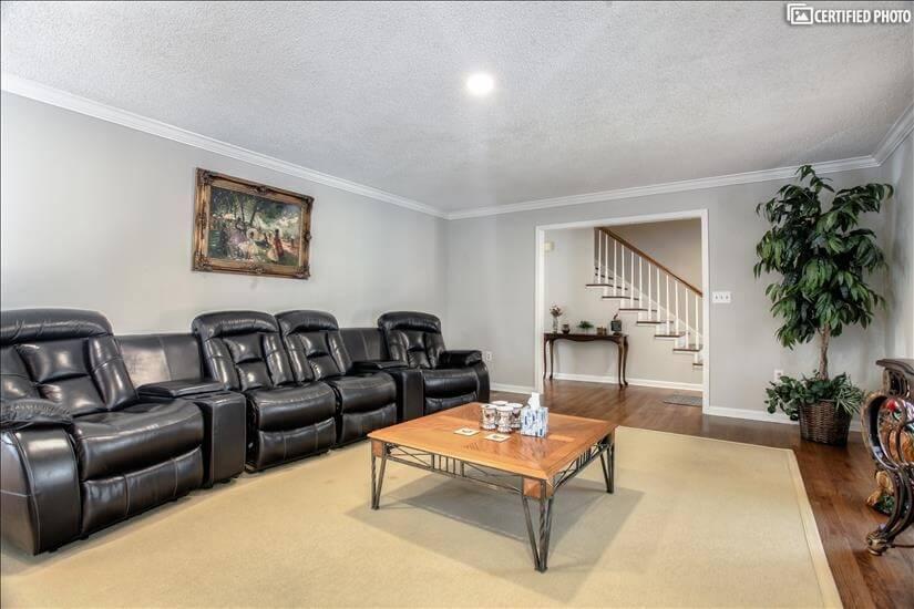 Very roomy and spacious living room overlooki
