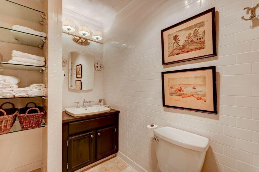 Beautiful tiling in guest bath, dual showerhe