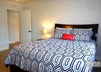 Large room and Queen size bed on top notch ma...