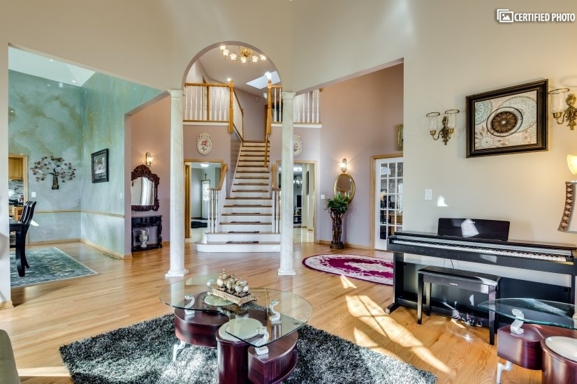 image 7 furnished 4 bedroom House for rent in Darien, South Suburbs