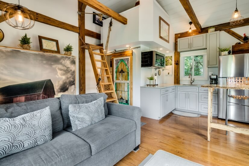 Fully Furnished Efficiency Downers Grove