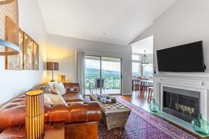Beautiful Scenic Overlook Near the 360 Bridge