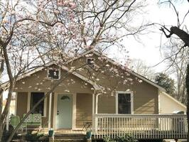 Wingo Cottage - large front porch for relaxin