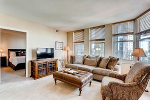 Large living room with 43