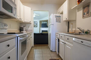 Gated Lovely 2bd Townhome