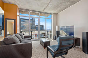 1 Bedroom 24th Floor With Gorgeous Views