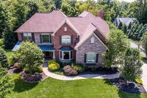Beautiful Lakewood Pointe Luxury Villa -Cincinnati, OH