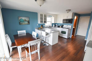 Fully Furnished 3 Bedroom with Garage