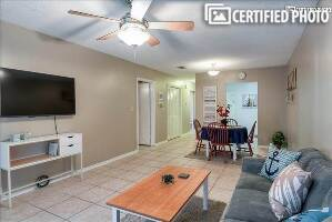 Ideally Located Pensacola Furnished Apt