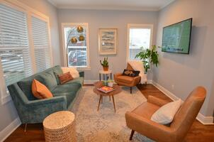 Living room - Fully Furnished corporate renta