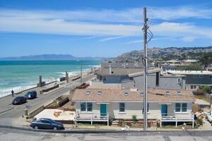 Beachfront House near SF w/ Parking (1)