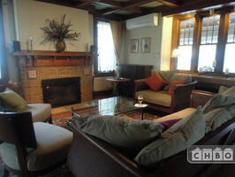 Furnished Dutch Colonial 10 mins to NYC