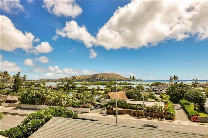 Enjoy panoramic lagoon and ocean views from l