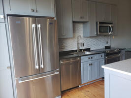 Newly remodeled Kitchen with brand new applia