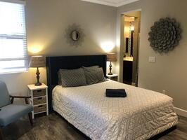 Master Suite #2: 3rd Floor queen bed, En suit