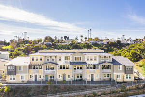 NEW DESIGNER 4BD 4BA WITH POOL BY BEACH