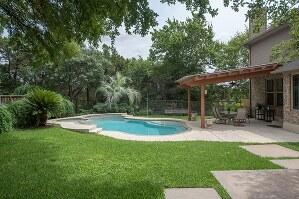 Beautiful Backyard Oasis