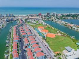 Close to The Beach and on Intercoastal Bay. With a Park!
