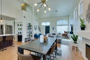 Large Backyard with Sparkling Pool