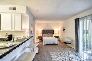 Woodlake Villa Apartments