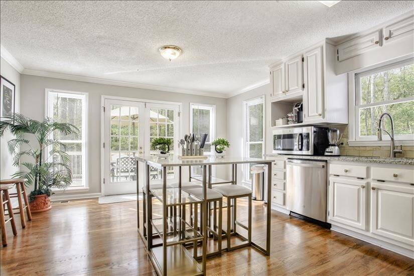Spacious fully updated kitchen with lots of l