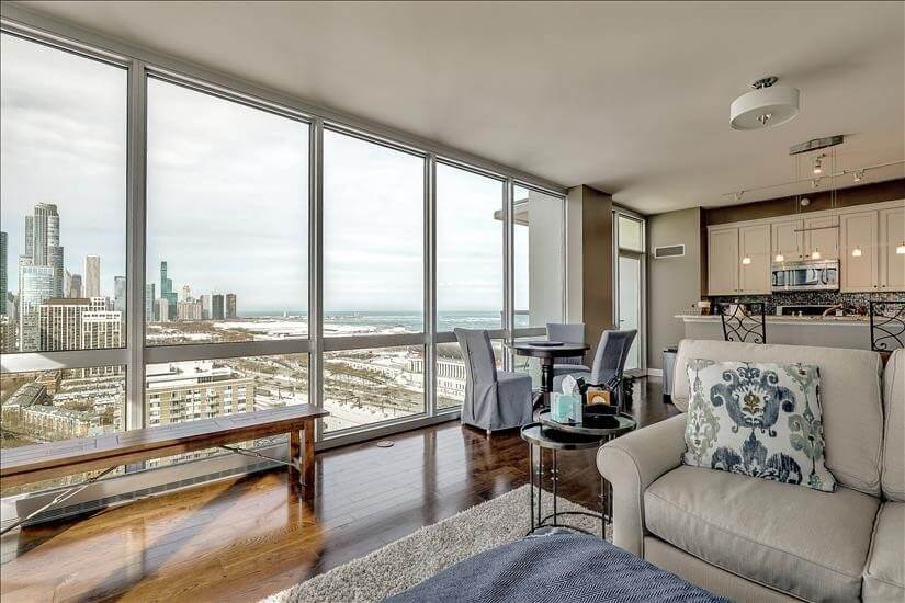 Spectacular Downtown and Lake Views
